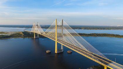 Übersetzungsbüro eurolanguage - Brücken für die Zukunft